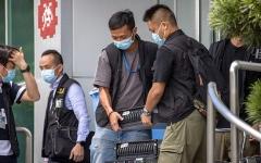الصورة: شرطة هونغ كونغ تدهم مقر صحيفة مؤيدة للديمقراطية
