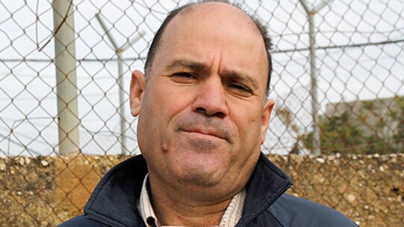 الناشط الحقوقي بمضارب الأغوار البدوية عارف دراغمة.  الإمارات اليوم
