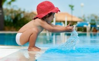 الصورة: 6 إرشادات تحمي الأطفال من حوادث الغرق