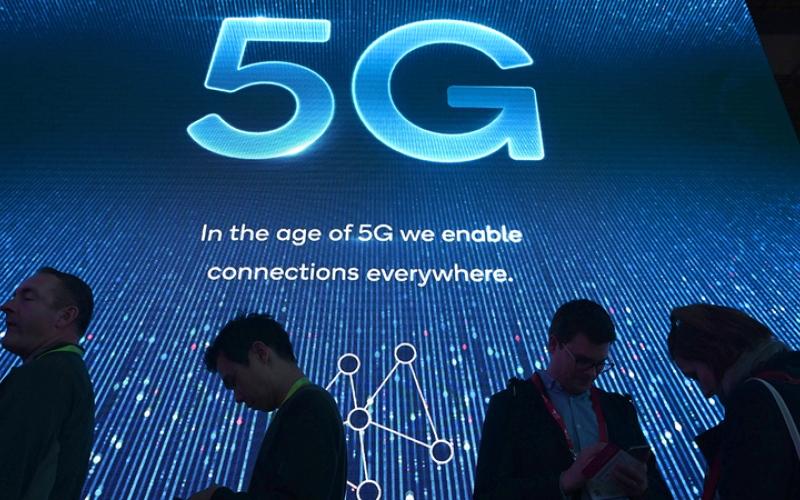 الصورة: هواتف الجيل الخامس متوسطة الكُلفة ترفع تنافسية الأسواق