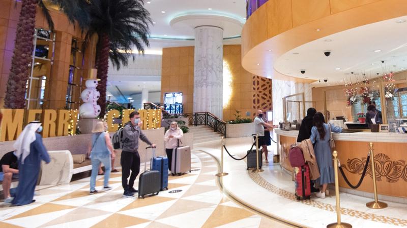 مسؤولو فنادق توقعوا ارتفاع نسب الإشغال حتى 95% خلال موسم صيف 2021.  تصوير: أحمد عرديتي