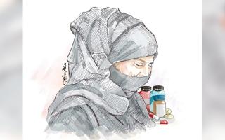 الصورة: «أبولؤي» يعجز عن تجديد بطاقة التأمين الصحي لوالدته
