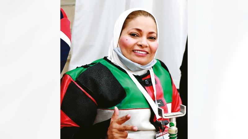بطلة الرماية عائشة المهيري.   من المصدر