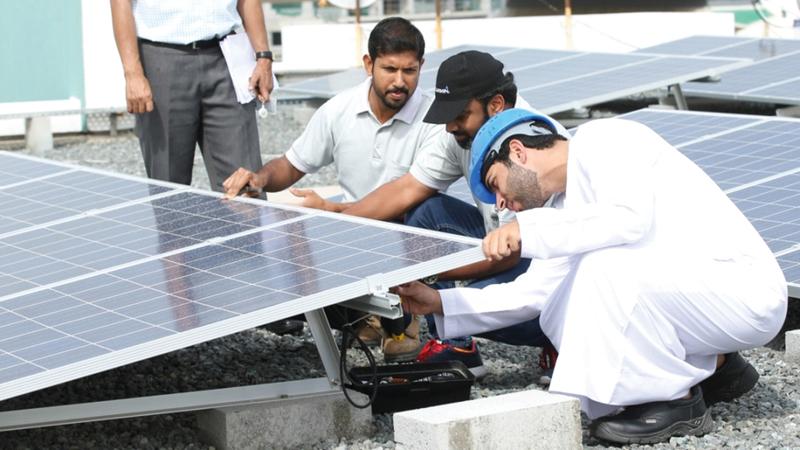 مبادرة «شمس دبي» حققت نجاحاً كبيراً وشهدت إقبالاً واسعاً من أصحاب المنازل والمباني.   من المصدر
