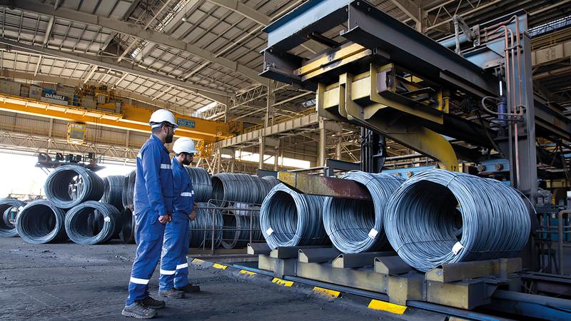 الشركات الإماراتية العاملة في الصناعات الثقيلة حققت إنجازات متميزة.   أرشيفية
