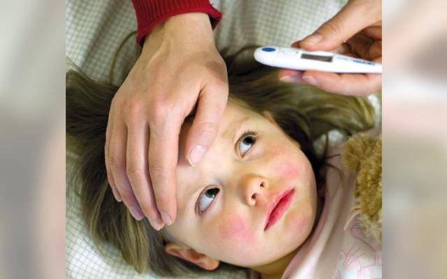 الصورة: صحة.. فيروس الهربس البسيط ينتقل إلى الصغار بأكثر من طريقة