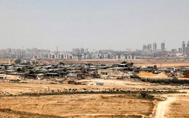 الصورة: بدو النقب لا يعلّقون آمالاً على الحكومة الإسرائيلية الجديدة