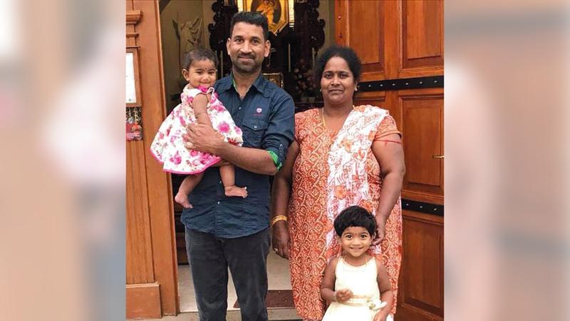 عائلة موروغابان مهدّدة بالترحيل إلى سريلانكا.  من المصدر