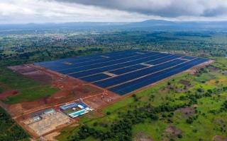 الصورة: تدشين «مجمع محمد بن زايد للطاقة الشمسية» في توغو بكلفة 221 مليون درهم