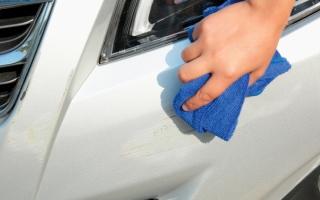 الصورة: 5 حيل منزلية لإزالة خدوش طلاء السيارة