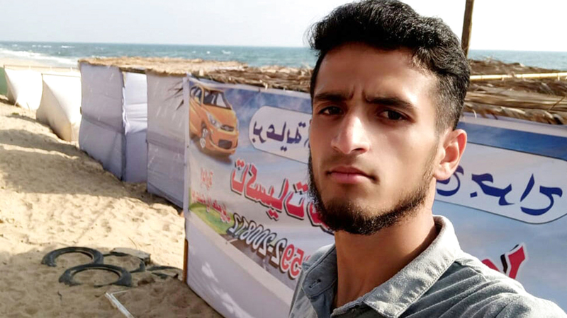 الشاب إبراهيم المدهون صاحب استراحة الشيخ جراح. الامارات اليوم
