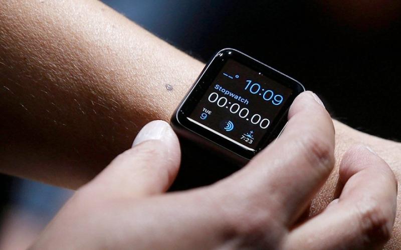 الصورة: 4 ساعات ذكية تلائم المستخدمين خلال «كوفيد-19»