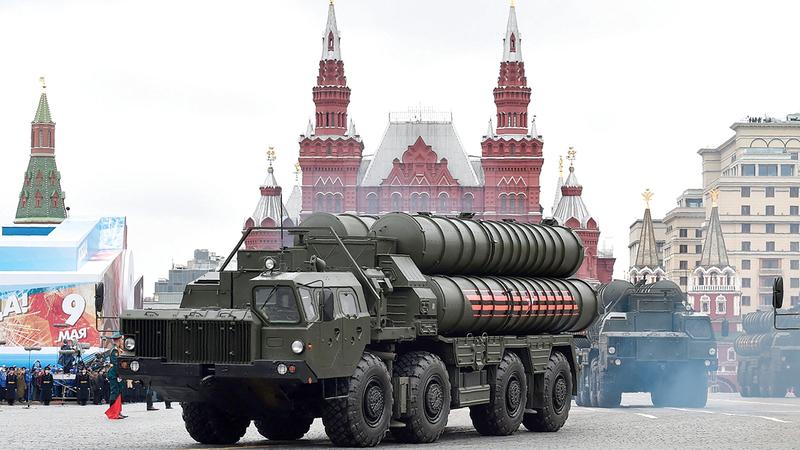 عرض عسكري روسي في الساحة الحمراء احتفالاً بنهاية الحرب العالمية الثانية.                    أ.ف.ب
