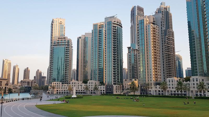 عقاريون أكدوا أن هناك فرصاً ممتازة للمستثمرين في دبي حالياً نظراً إلى اعتدال أسعار البيع والتسهيلات المطروحة.   أرشيفية