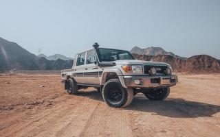"""الصورة: بالصور.. طرح نسختين محدودتين من """"لاند كروزر 70"""" في السوق الإماراتي"""