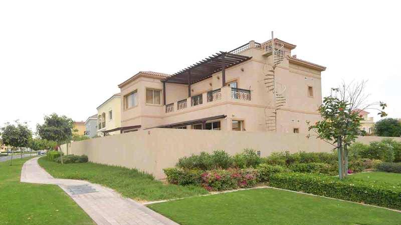 الفلل كان لها دور في تعزيز مبيعات الخريطة بسوق دبي العقارية.   تصوير: مصطفى قاسمي