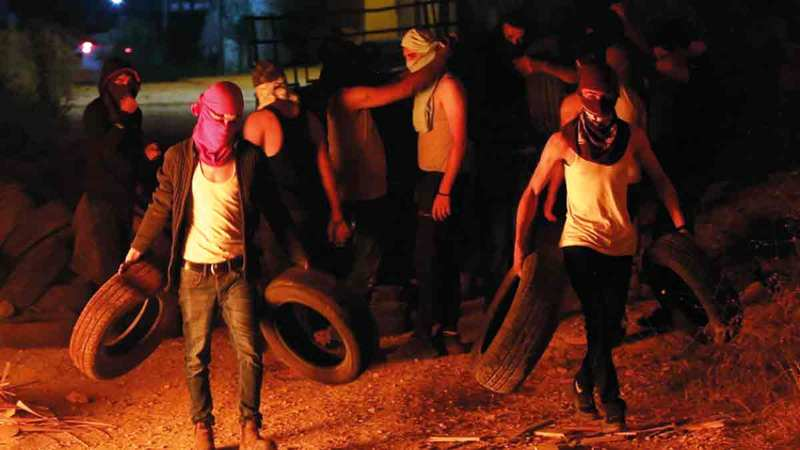 «مجموعة الكاوتشوك» أبرز أساليب الإرباك الليلي في «بيتا».  الإمارات اليوم