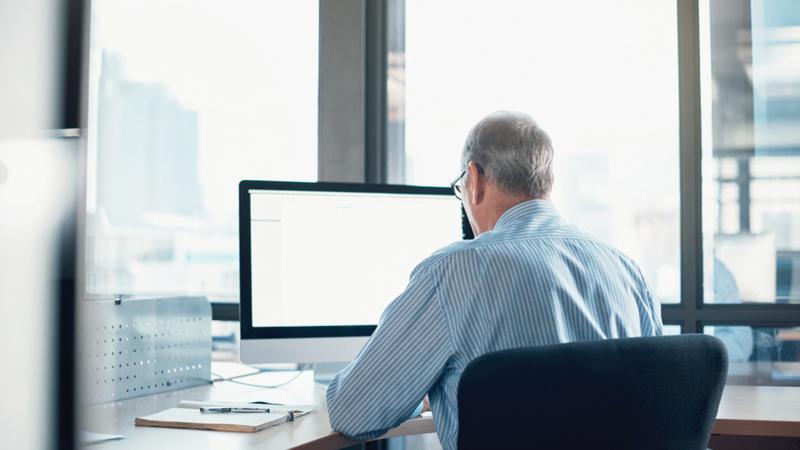 الاستبيان أظهر أن الاحتفاظ بالموظفين برز كأحد أهم العوامل التي تُبدي الشركات اهتماماً بها.   أرشيفية