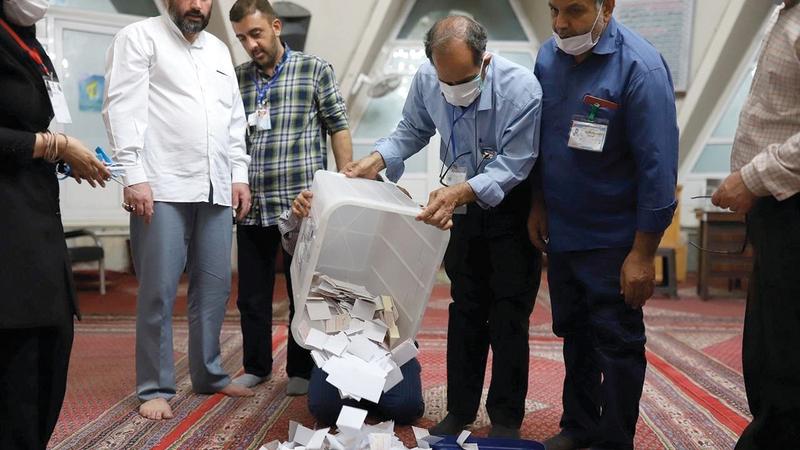 الانتخابات الإيرانية لاقت إقبالاً ضعيفاً حيث رفض نحو نصف الناخبين المشاركة فيها.  أرشيفية
