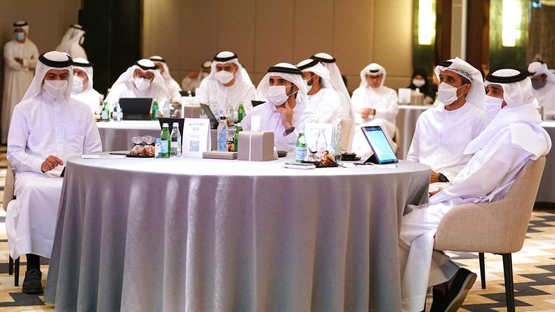 حمدان بن محمد خلال مشاركته في ورشة عمل تحديد أولويات دبي 2030.  وام