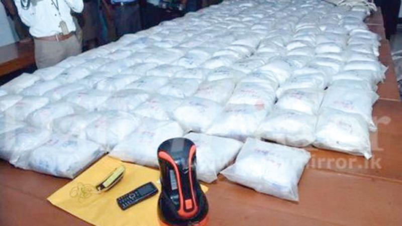 أجهزة مكافحة المخدرات وجهت ضربات موجعة لعصابات الاتجار في المخدرات.  من المصدر
