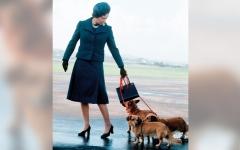 الصورة: ملابس الملكة إليزابيث سِجلّ حافل بالرومانسية والدبلوماسية والوطنية