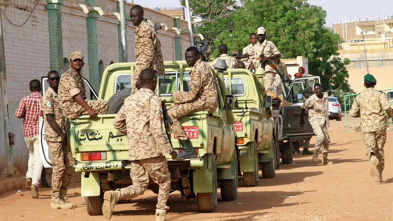 البعض يتهم المؤسسة العسكرية بإعاقة التحقيق في قتل المتظاهرين. À أرشيفية