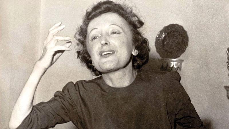 النجمة الفرنسية الراحلة إديث بياف.  أرشيفية