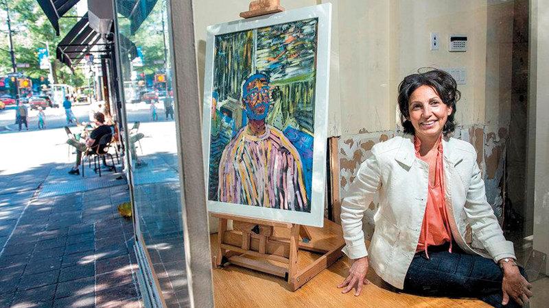بدأت باربرا مشروعها الفني في شوارع نيويورك لتملأ الفراغ الذي خلّفته المتاجر المهجورة.   من المصدر