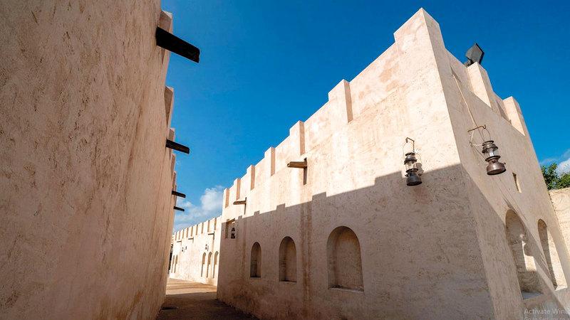 من مشاريع الشارقة لترميم الأحياء التراثية القديمة.  الإمارات اليوم