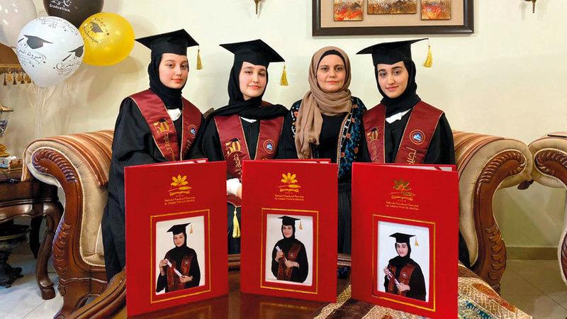 الشقيقات التوأم حصلن على معدل موحد في الثانوية العامة بنسبة   .%98.5 من المصدر