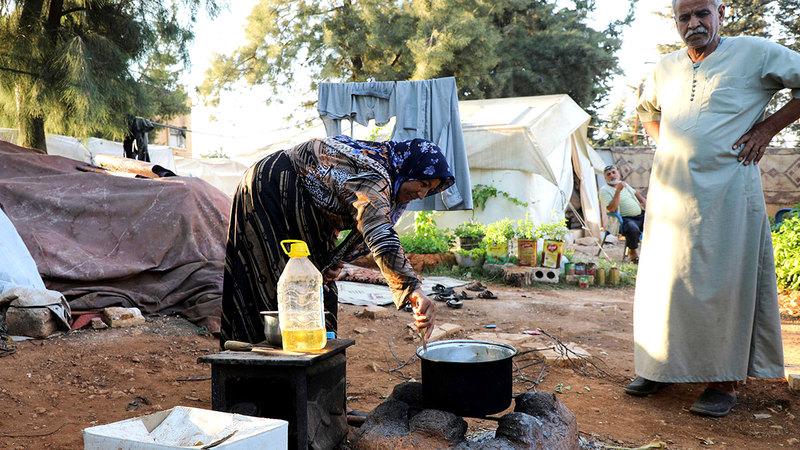 المعاناة التي يعيشها اللاجئون تتفاقم.  رويترز