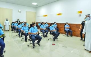 الصورة: محاضرات توعوية أمنية لـ750 سائق أجرة بالشارقة
