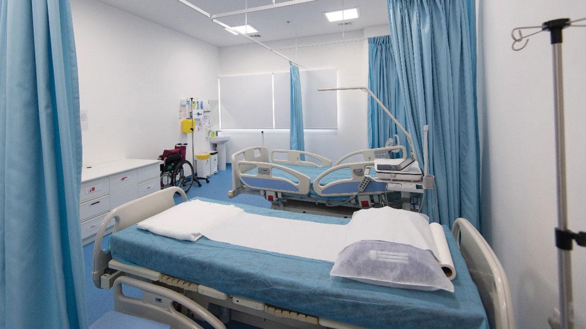يضمّ المركز عيادة «تداوي» لتقديم خدمات طبية للنزلاء.   تصوير أحمد عرديتي