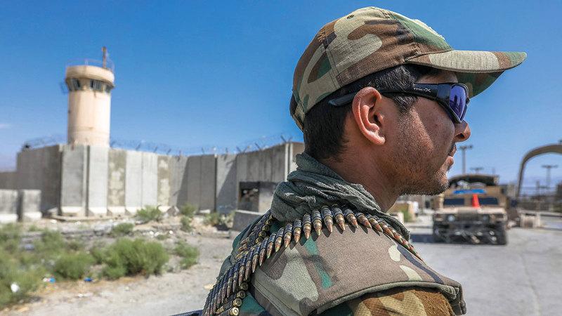 الجيش الأفغاني قد لا يتمكن من حفظ الأمن بعد رحيل الأميركيين.  إي.بي.إيه