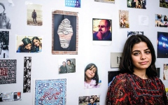 الصورة: ناشطة سورية تعرض على العالم قضية والدها والمختفين الآخرين