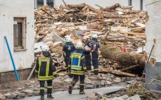 الصورة: بالصور.. انهيار مبان جراء فيضانات ألمانيا العارمة