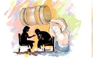الصورة: «استئناف دبي» تبرئ موظفاً من تهمة التسبب في وفاة صديقته
