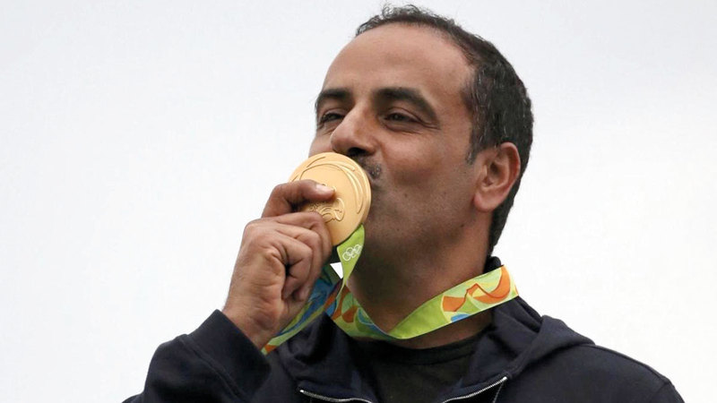 الكويتي الديحاني عينُه على إنجاز جديد في الرماية الأولمبية.   من المصدر