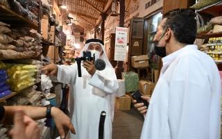 الصورة: محمد سلطان بن ثاني: رحلات شيقة في سكيك دبي وشوارعها