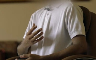 الصورة: نزيل يروي تجربته بعد وجوده في رعاية الاحداث