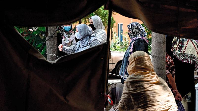 الأفغانيات يعانين جرّاء نقص الرعاية ومنعهن من الوصول إلى المرافق الصحية لتلقّي العلاج.  أ.ف.ب