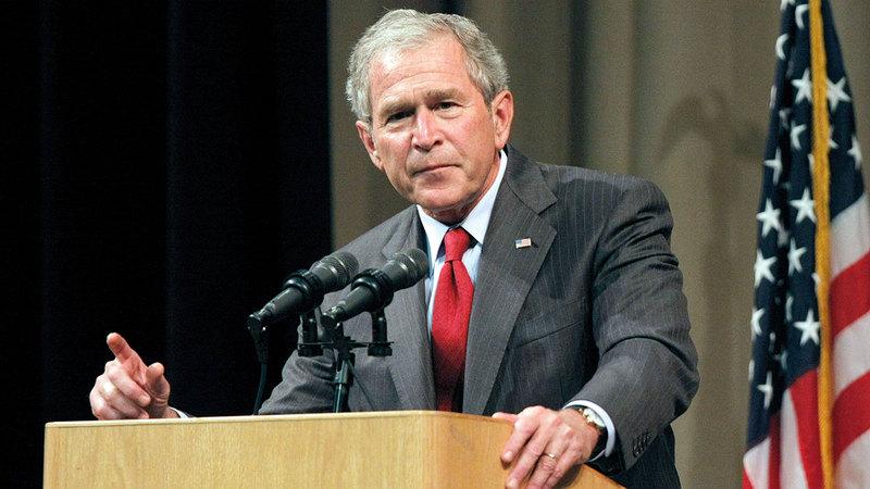 بوش الابن اعتبر أن الانسحاب من أفغانستان «تصرّف خاطئ» وحذّر من الكوارث التي ستنجم عنه. غيتي