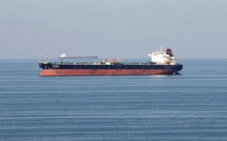 الصورة: اتفاق «أوبك بلس» وارتفاع إصابات «كورونا» يهبطان بأسعار النفط