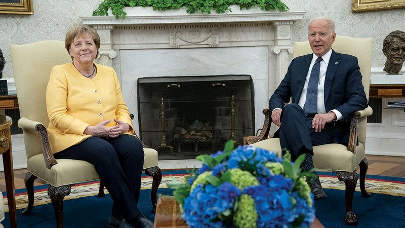 خلال لقاء بايدن وميركل في البيت الأبيض الخميس الماضي.    أ.ب
