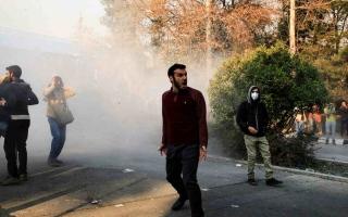 الصورة: مقتل ضابط إيراني خلال احتجاجات على شح المياه