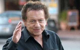 الصورة: وفاة الفنان الكوميدي والحاخام السابق جاكي ميسن