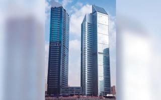 الصورة: قصة برج.. «ويست بيري سكوير».. برجان توأم في «الخليج التجاري»