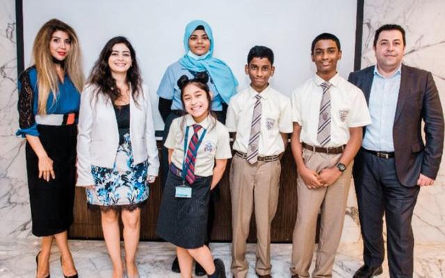 الصورة: تكريم الفائزين في مسابقة الإصدار التعليمي من «مايكروسوفت»