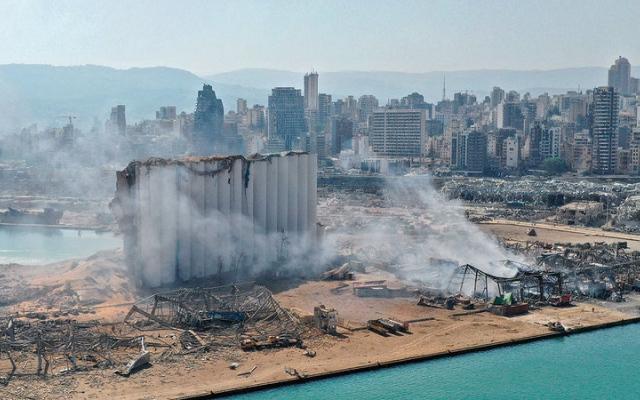 الصورة: تجربة انفجار مرفأ بيروت تُترجَم رسماً وعزفاً ارتجاليين